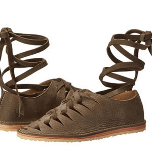 Frye leather gladiator sandals holly nubuck woven